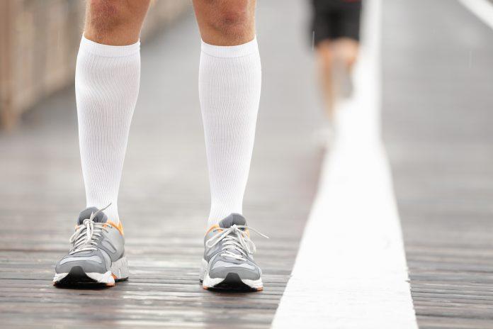 Τι τύπο κάλτσες πρέπει να φοράω όταν τρέχω;